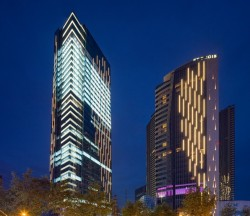 5. Evergrande Huazhi Plaza, Chengdu, China, by Aedas_View from Tidu Road (4)