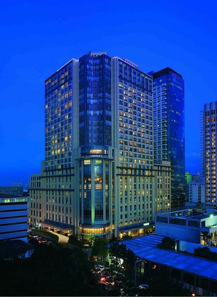 New World Manila Bay Hotel Exterior