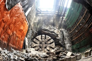 XRL_Tunnel breakthrough by tunnel boring machine (TBM)