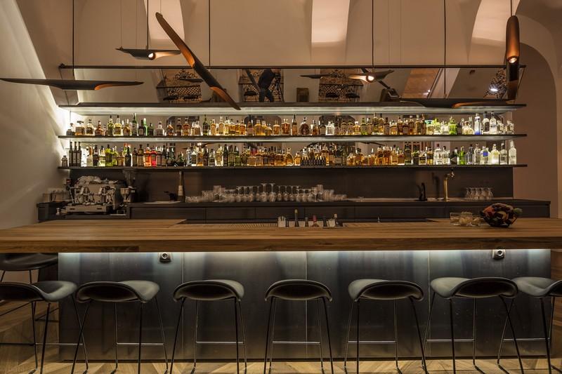 baraka-restaurant-lounge-budapest-delightfull-unique-lamps-01